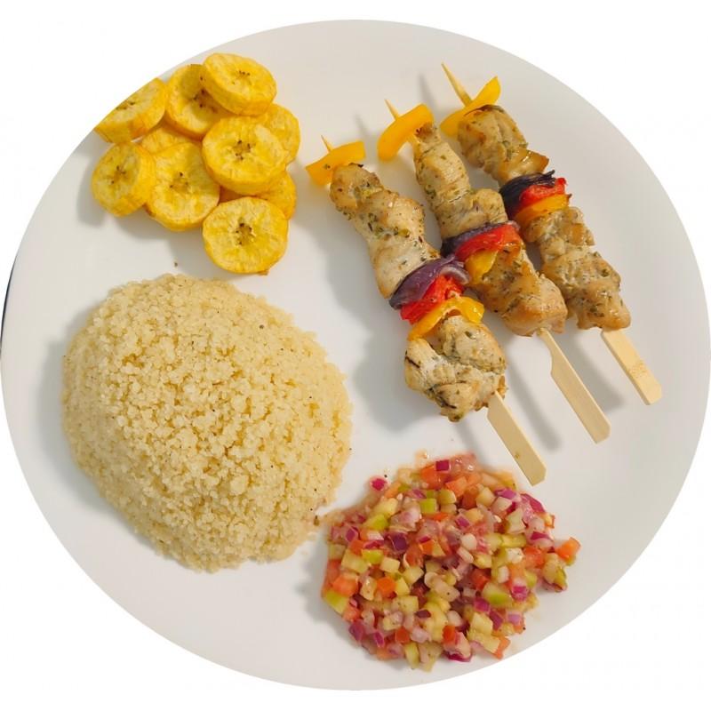 Attiéké brochettes de poulet : Restaurant Africain Meaux